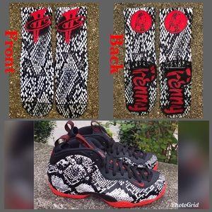 Snakeskin foams socks